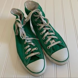 Green Converse All Star sneakers size 8